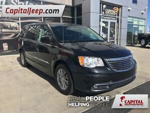 2016 Chrysler Town & Country Touring-L| Leather| LOW KM| Power s