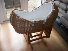 MOTHERCARE SNUG STYLE MOSSE BASKET +/-MATTRESS AND DELUXE GLIDING STAND
