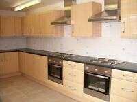 10 BED STUDENT HOUSE AVAILABLE IN NORTH ROAD EAST