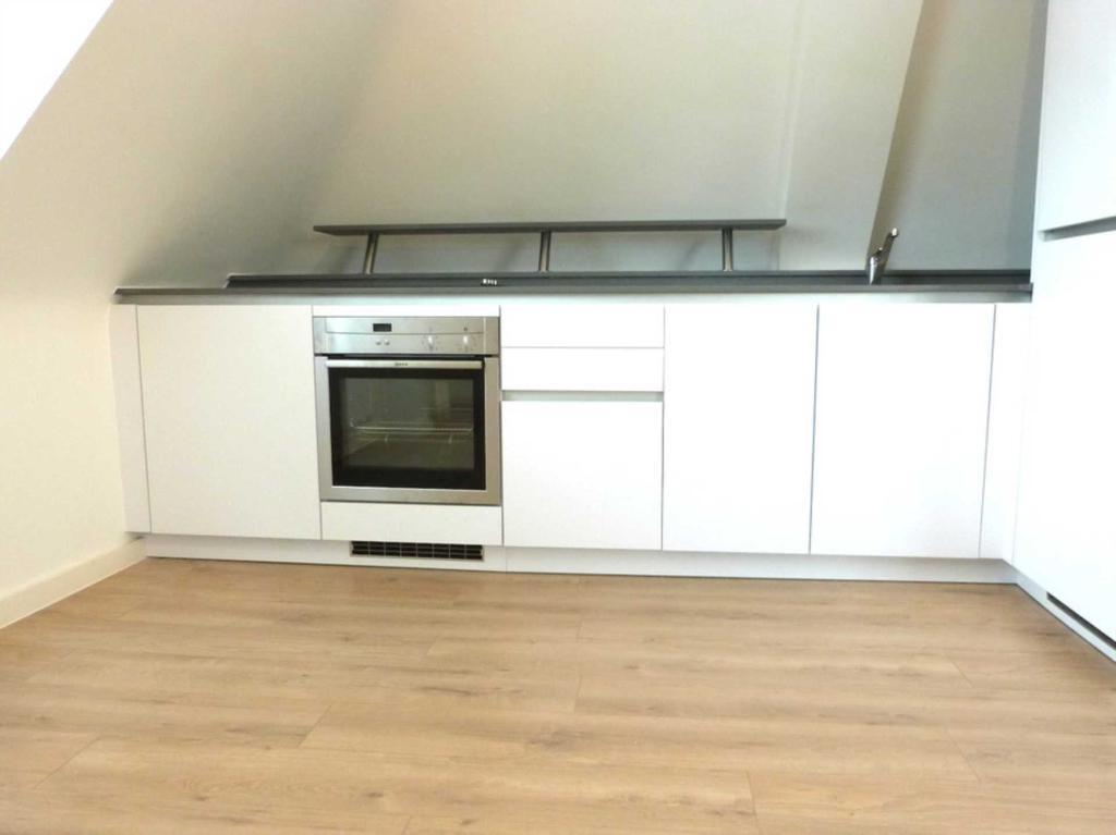 2 bedroom flat in The Vale, Barnetd
