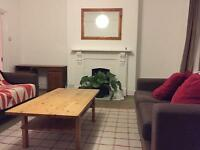 Cheap single room available in Clapham Junction
