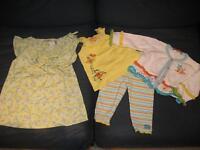 2 beaux ensembles taille 12 mois pour fille