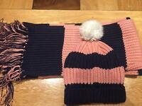 JACK WILLS SCARF & HAT SET..... GIVEN AS GIFT NEVER USED