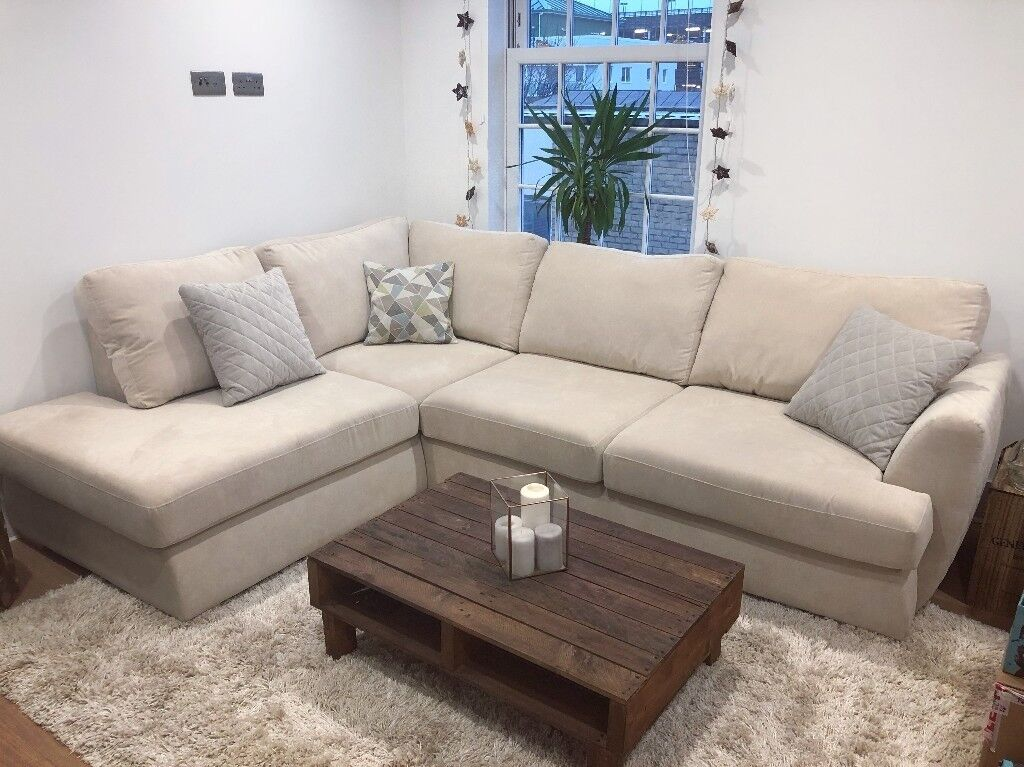 Trilogy: Cream Right Hand Facing Arm Open End Corner Sofa DFS + Cushions