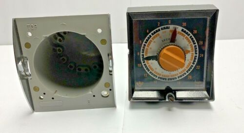 Eagle Signal HG100A6 Flexopulse Timer 0-30 seconds, Untested As/Is