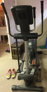 ELLIPTICAL NORDICTRACK AUDIOSTRIDER 990: MOVING NEED TO SELL
