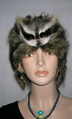 RACCOON MOUNTAIN MAN FUR HAT WITH FACE FOR MAN & WOMAN. - Raccoon Skin Hat