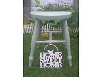 BEAUTIFUL SHABBY CHIC VINTAGE STYLE WOODEN MILKING STOOL