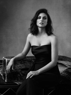 Morena Baccarin Posed Photo 4X6 8X10  Select Size   007