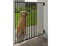 Savic Outdoor Dog Barrier Brand New In Box *Supports Animal Rescue*
