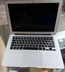 Apple MacBook air 13.3 i5 128gb 2012