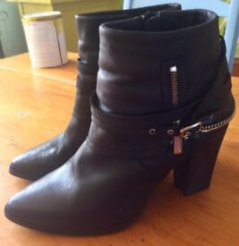 Ladies Black Leather ankle boots size 8, From New Look.