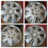 **WheelerDealer** Used Hub Caps -17 inch -Michelin and Universal