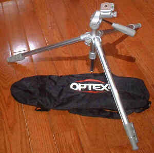 Looking for a great Camera Tripod for half the Retail Price? London Ontario image 9