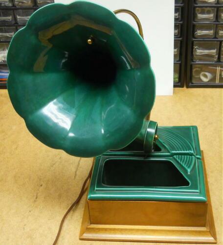 Vintage Green Ever-Art Mid Century Modern Phonograph Player TV Lamp Planter