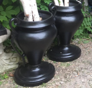 Beautiful Variety of Solid Cast Iron Urns Pedestals Garden items