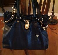 Authentic Michael Kors Large Hamilton Bag in Excellent condition