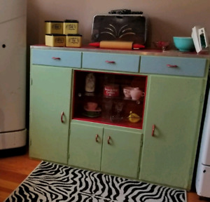 vintage furniture and collectibles