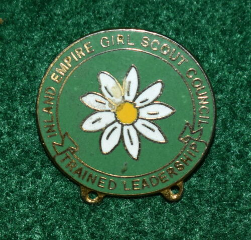 GIRL SCOUT - TRAINED LEADERSHIP GIRL SCOUT COUNCIL PIN - INLAND EMPIRE