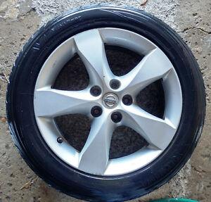 5 mags nissan + pneus / tires 225-50-17,  Bolt pattern 5 x114.3
