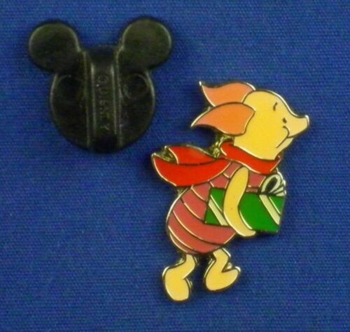 Piglet Carrying Christmas Gift Present 100 Acre Collection Pin # 3741
