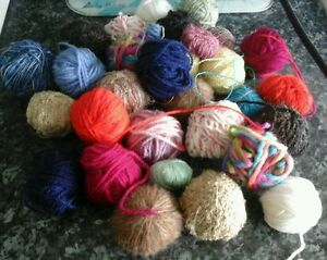 Bundle 200g Joblot Of Wool Great For Craft dolls clothes etc