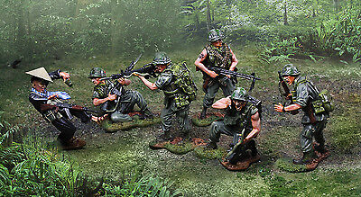 COLLECTORS SHOWCASE VIETNAM WAR U.S. MARINE COMPLETE 6 FIGURE SET MIB