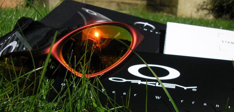 Je mehr Originalteile, desto sicherer ist die Echtheit der Sonnenbrille (Foto: tico_24 (CC BY 2.0))