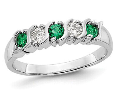 1/7 Carat (ctw) Natural Emerald Band Ring in 14K White Gold with Diamonds (Diamond Harmony White Gold Bands)