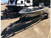 "1988 Spirit 16'6"" Bass Boat & Trailer - Texas"