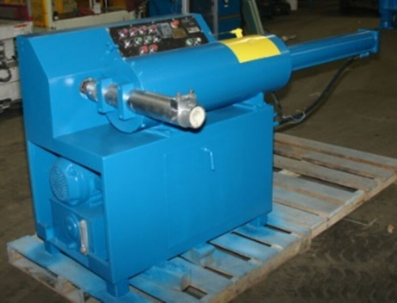"3.5"" BMC Type Extruder.  12"" diameter plunger feed with a 3.5"" diameter screw."