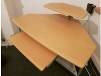 Desk Very spacious one