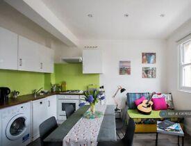1 bedroom flat in St. Pauls Road, London, N1 (1 bed) (#1087652)