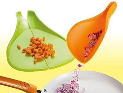 Confezione contenente due taglieri da cucina colorati e pieghevoli tagliere