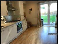 1 bedroom in Beavers Lane, Hounslow, TW4 (#957648)