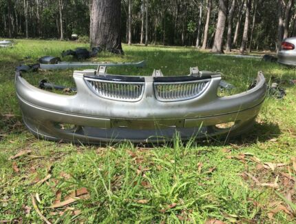 Genuine Holden VT Commodore Calais Front Bumper Bar and Grill Medowie Port Stephens Area Preview