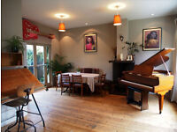Lovely Room in Large House Next to Victoria Park