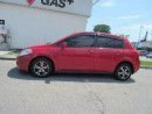 2010 Nissan Versa 1.8 S, Fuel saver, Mint