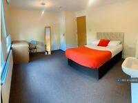 6 bedroom house in Basingstoke Road, Reading, RG2 (6 bed) (#1231600)