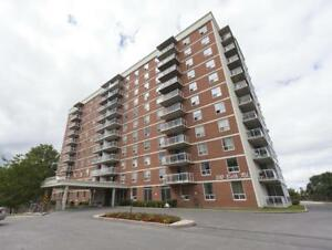 Portsmouth Place Centre - 310 Bath Rd.-Near Kingston Centre- 2bd