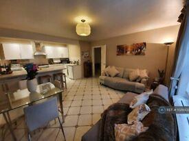 2 bedroom flat in Garden, London, SW5 (2 bed) (#1029302)