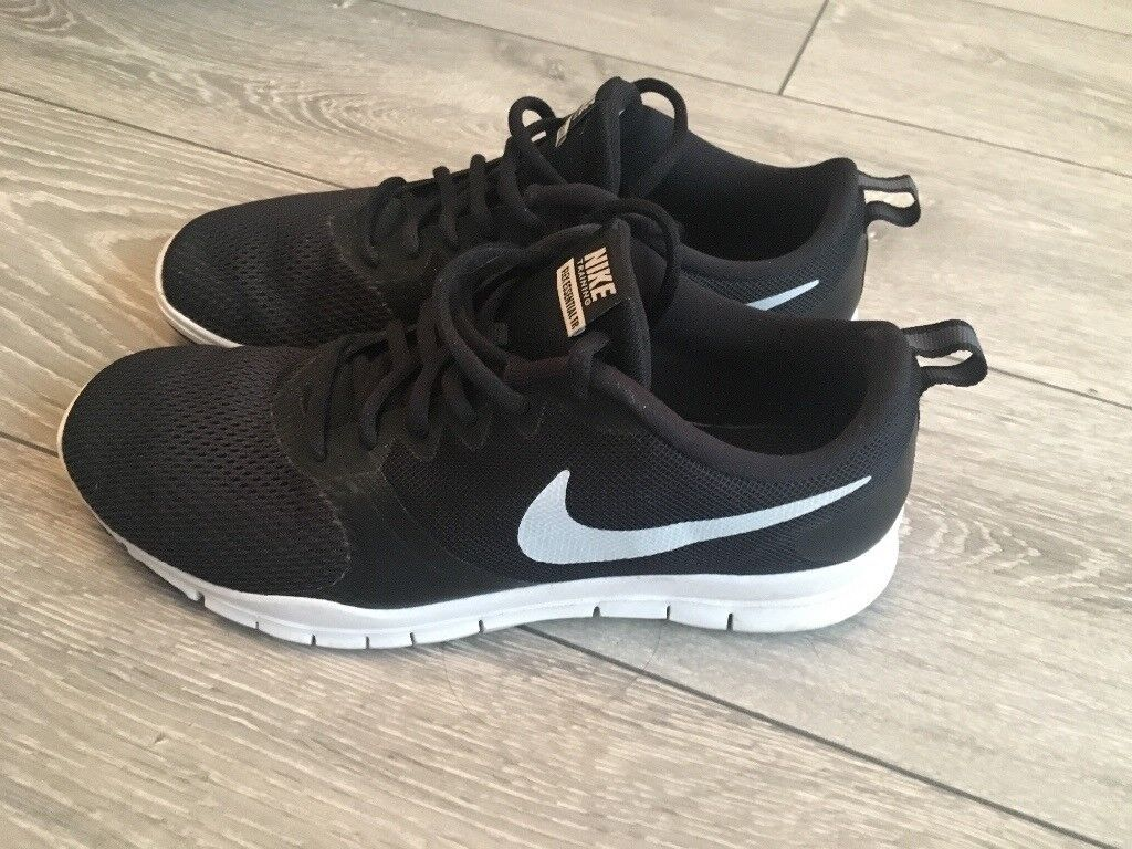ladies black nike trainers size 6 off