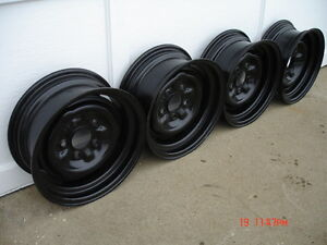 Chev / Pontiac 14x5 steel wheels London Ontario image 1
