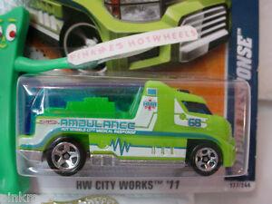 2011-i-Hot-Wheels-RAPID-RESPONSE-177-Green-Ambulance-New-2012-Case-D