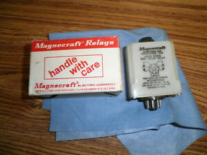 Magnecraft-Electric-W211ACPSOX-5-Solid-State-Time-Delay-Relay-10A-120-VAC