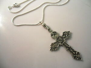 A LOVELY TIBETAN SILVER  LARGE CROSS/CRUCIFIX NECKLACE. GOTH. NEW.