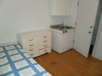 Location de chambres Montreal / Room Rental (pas une colocation)
