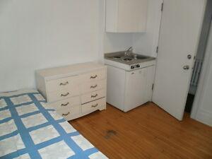 Location de chambres Montreal / Room Rental (pas une colocation) City of Montréal Greater Montréal image 1