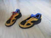 Kinder Jungen Schuhe gelb/schwarz Nike Gr. 35 Bayern - Wülfershausen Vorschau