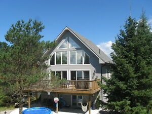 Cottage rental luxury 5 bedroom with Hot tub